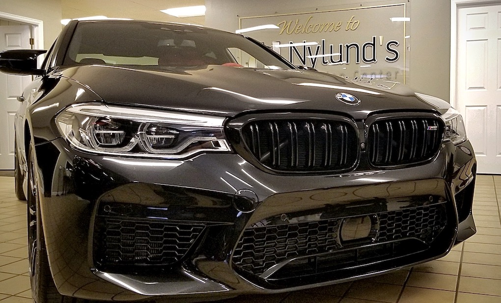 Nylunds Collision expertly repairs BMW luxury models